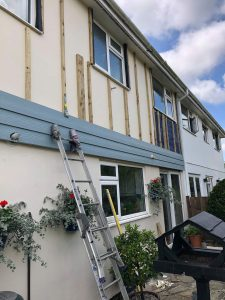 Starting of the C10 blue grey cedral cladding